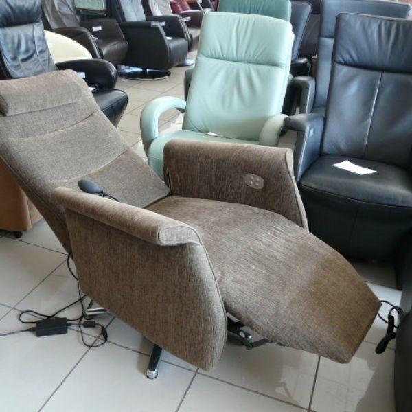 Barna szövet elektromos,körbeforgós Relax fotel F058