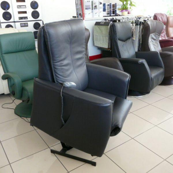 Kék bőr felállás segítő fotel F023