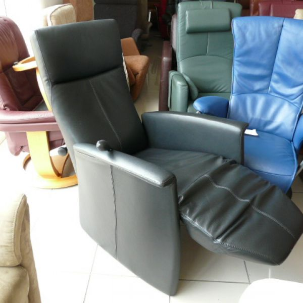 Fekete bőr mechanikus Relax fotel F067