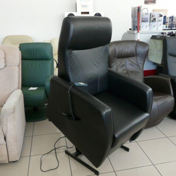 Fekete bőr felállás segítő fotel F021