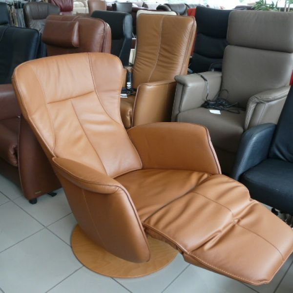 Barna bőr mechanikus,körbeforgós  Relax fotel F034