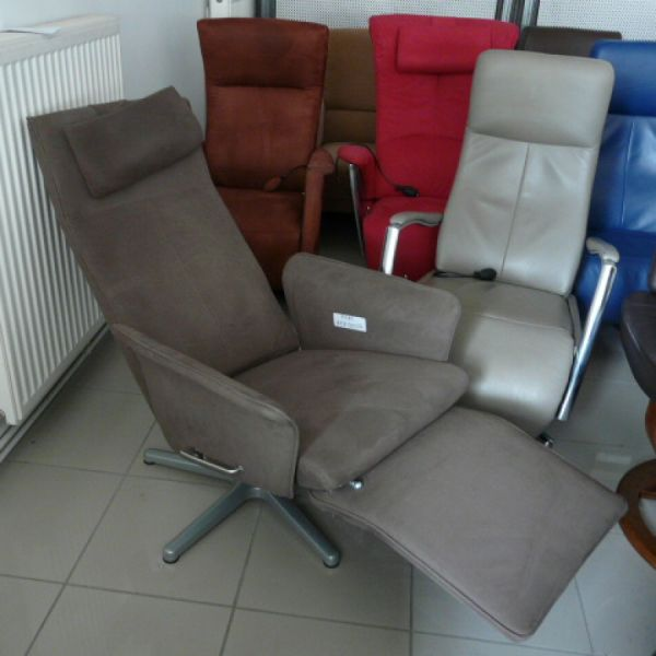 Barna szövet mechanikus,körbeforgós Relax fotel F085
