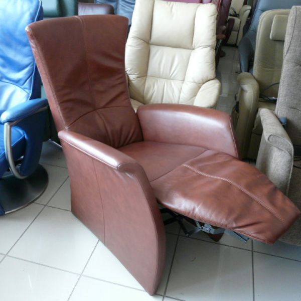 Barna bőr mechanikus Relax fotel F070
