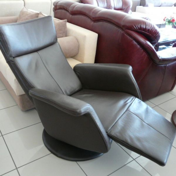 Sötétbarna bőr mechanikus,körbeforgós Relax  fotel F006