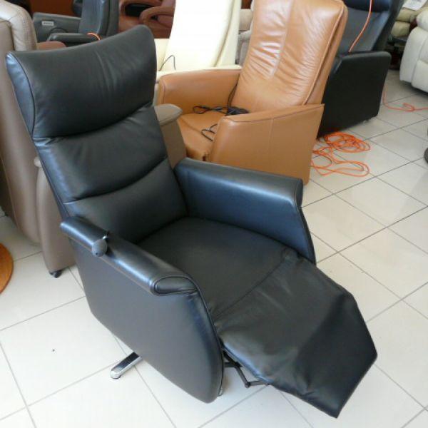 Fekete bőr elektromos, körbeforgós Relax fotel F012