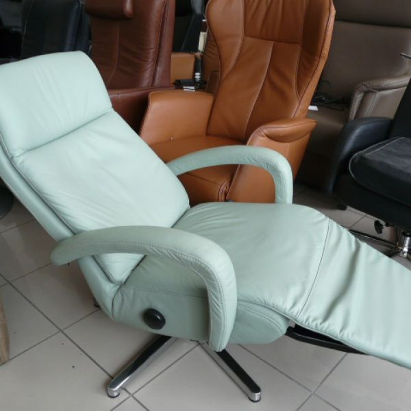 Halványzöld bőr mechanikus,körbeforgós Relax fotel F035