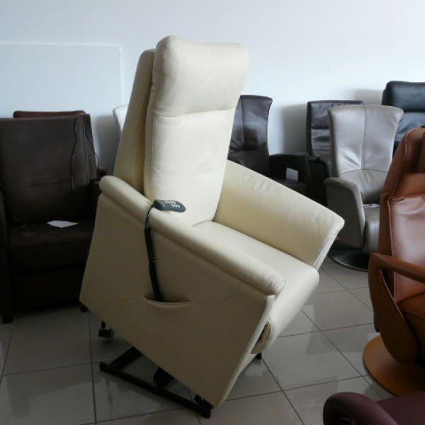 Vaj bőr felállás segítő fotel F051