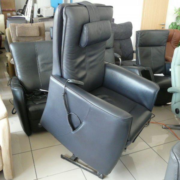 Kék bőr felállás segítő fotel F059